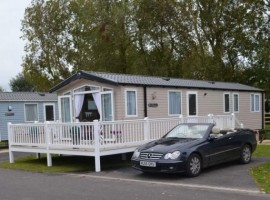 HAVEN HOLIDAY VILLAGE BURNHAM-ON-SEA. LUXURY PLATINUM HOLIDAY HOME WITH VERANDA, PAVED PATIO, PRIVATE PARKING AND FLAT SCREEN TV WITH DVD PLAYER IN EVERY ROOM!