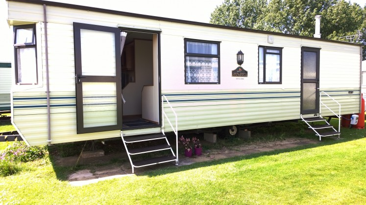 Lastest Excellent Location Close To The Beach And Easy Walk Along The Promenade Into Town Immaculate Site With Holiday Rentals, Private Caravans And Lodges And Touring Vans And Camping Our Caravan Had An Outside Patio Area With Windbreak,