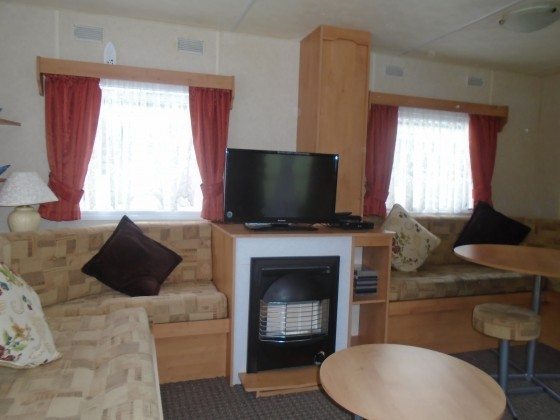 New Bedroom 8 Berth Caravan For Hire Lyons Winkups Towyn North Wales