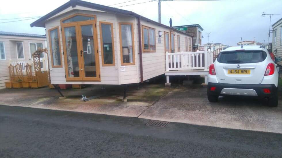 Beautiful Bed Caravan To Rent On The Summerlands Site Across From Butlins