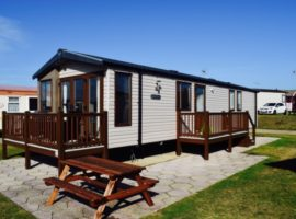 6 Berth Privately Owned Caravan For Hire at Hopton Holiday Village