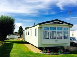 Three Bedroom Holiday Home For Hire at Hopton Holiday Village