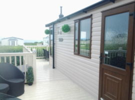SEA VIEW  2 BEDROOM PRESTIGE CARAVAN ON PRIMROSE VALLEY   5 STAR HOLIDAY PARK