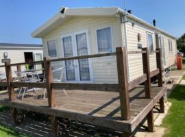 Holiday Home close to beach, 3 bedrooms sleeps 8